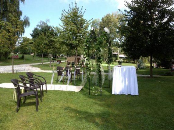 Zámek Berchtold obřad zahrada