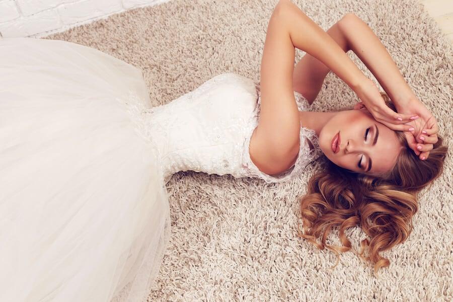 Svatební šaty náhled