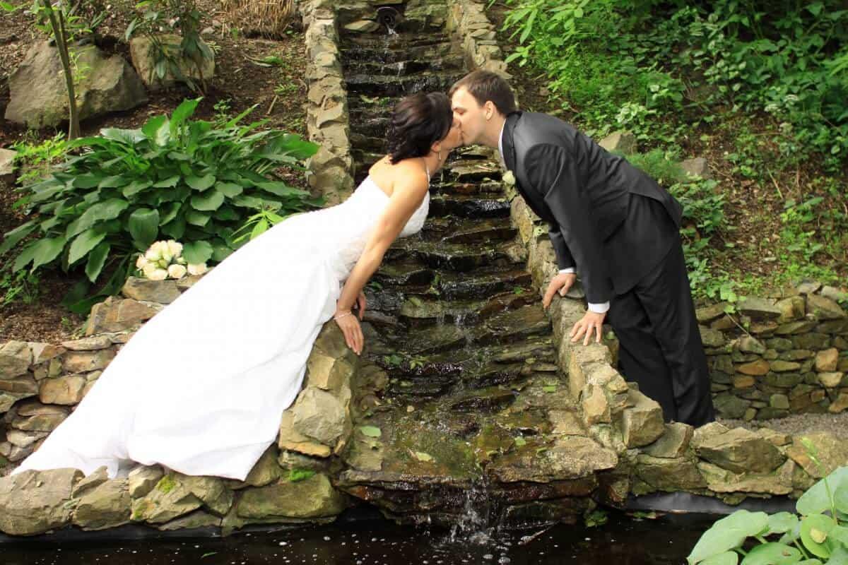 Novomanželé u vodopádu - Spálený mlýn