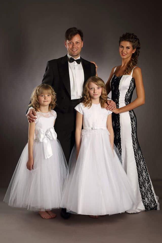 Svatební šaty pro celou rodinu