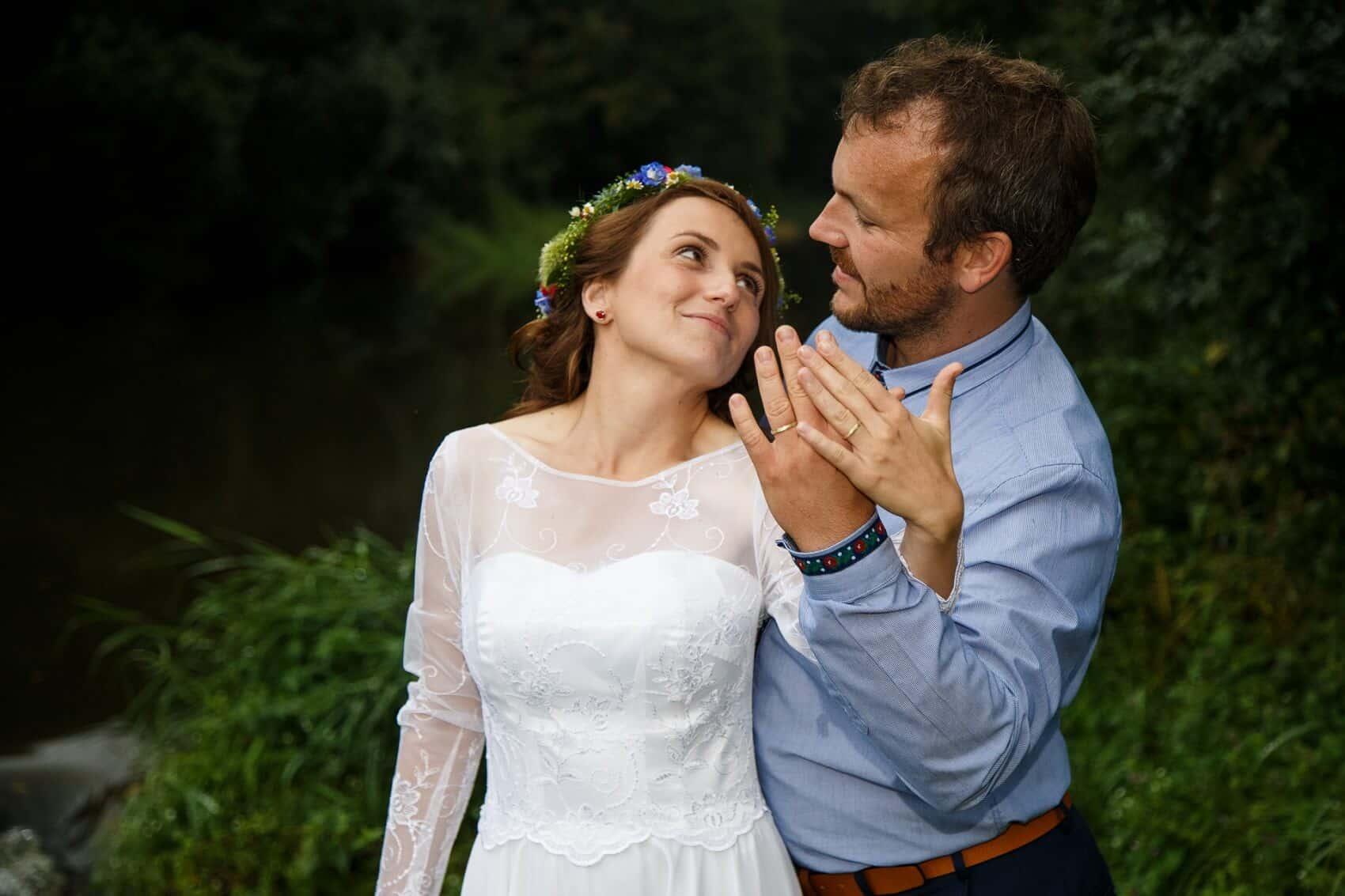 Fotograf Radek Vandra novomanželé v přírodě