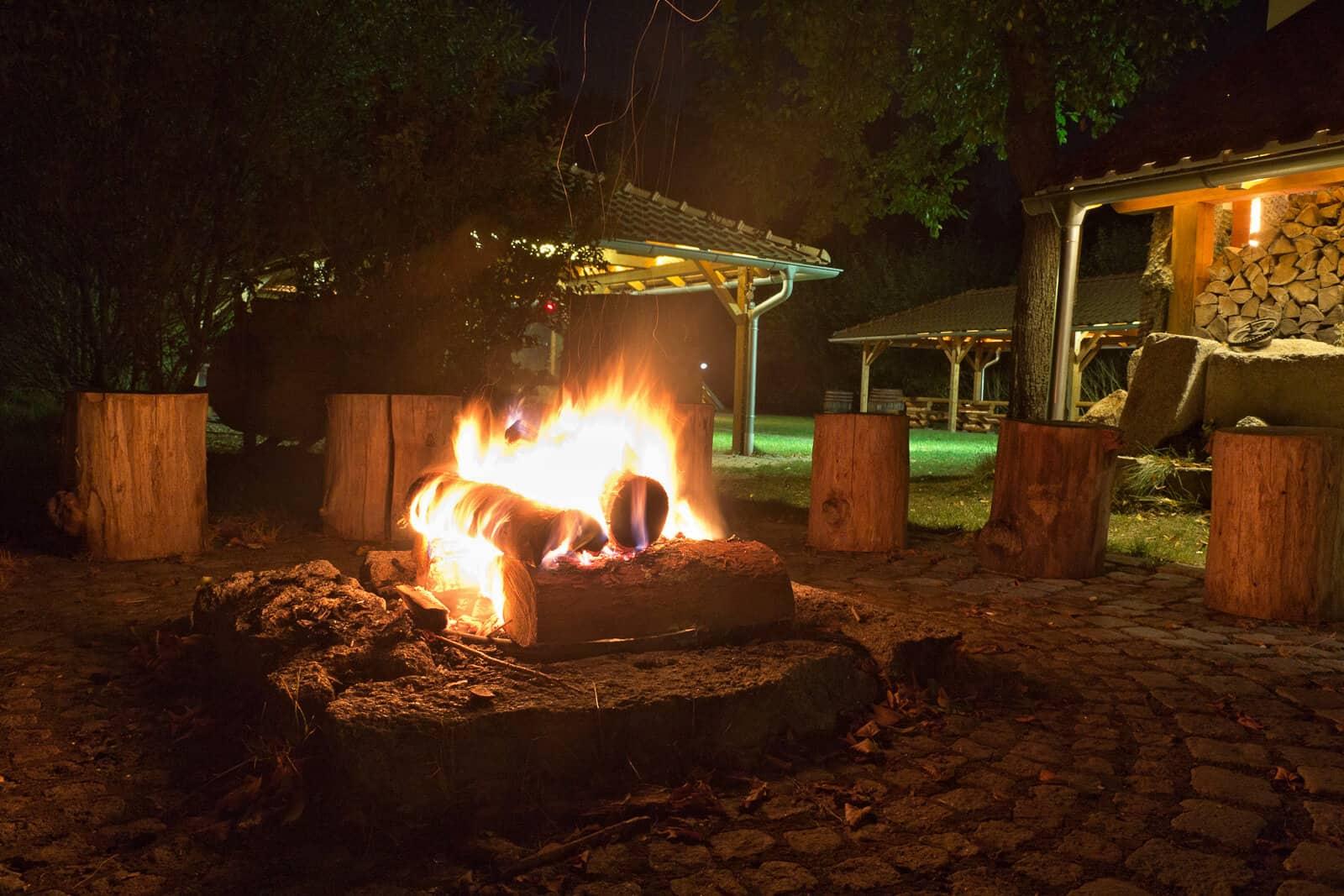 Penzion Kamínek oheň za tmy