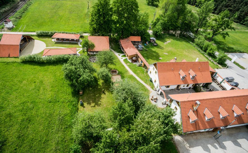 Areál penzionu Kamínek - letecký pohled