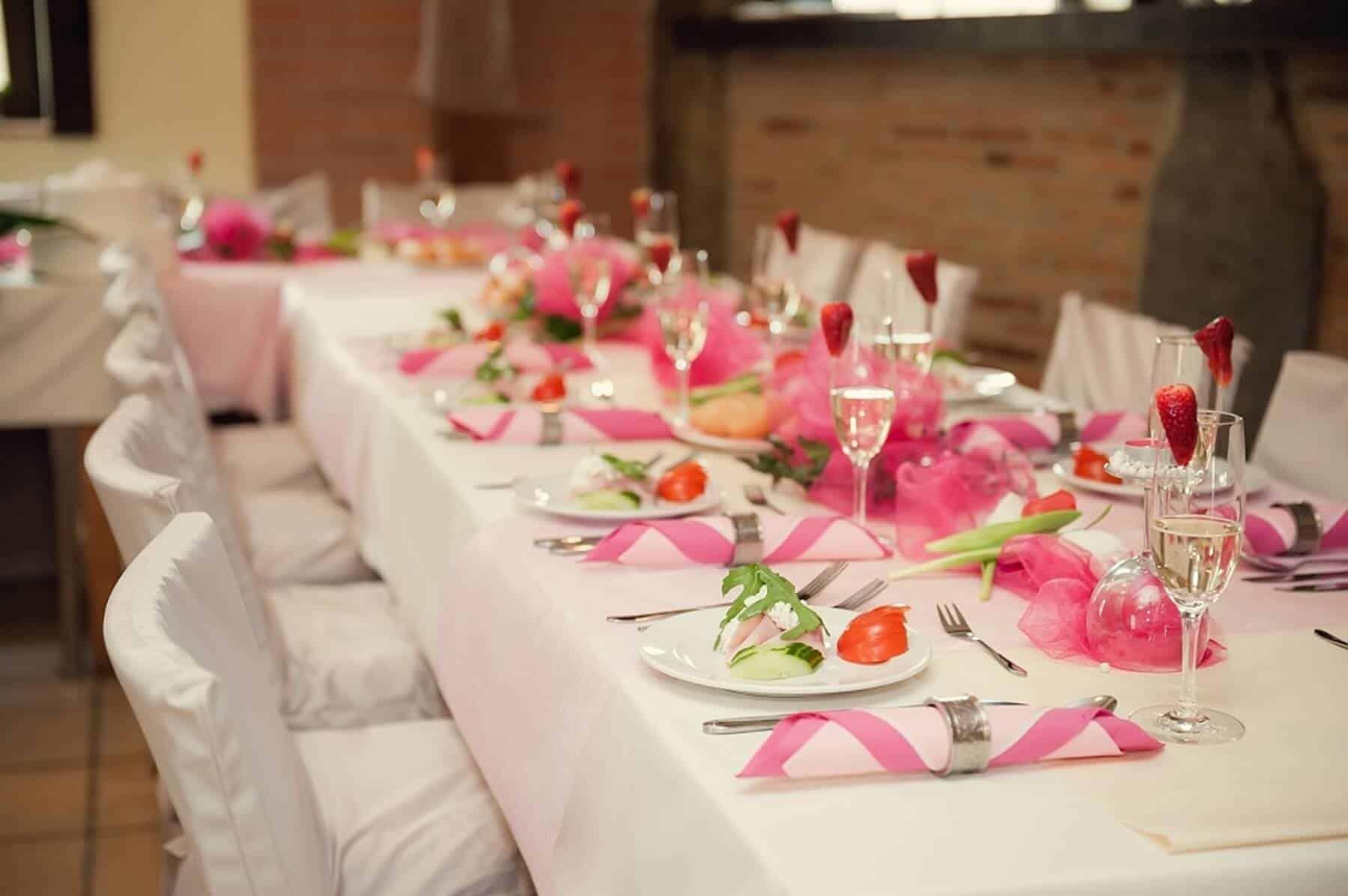 Svatební hostina růžová penzion Kamínek