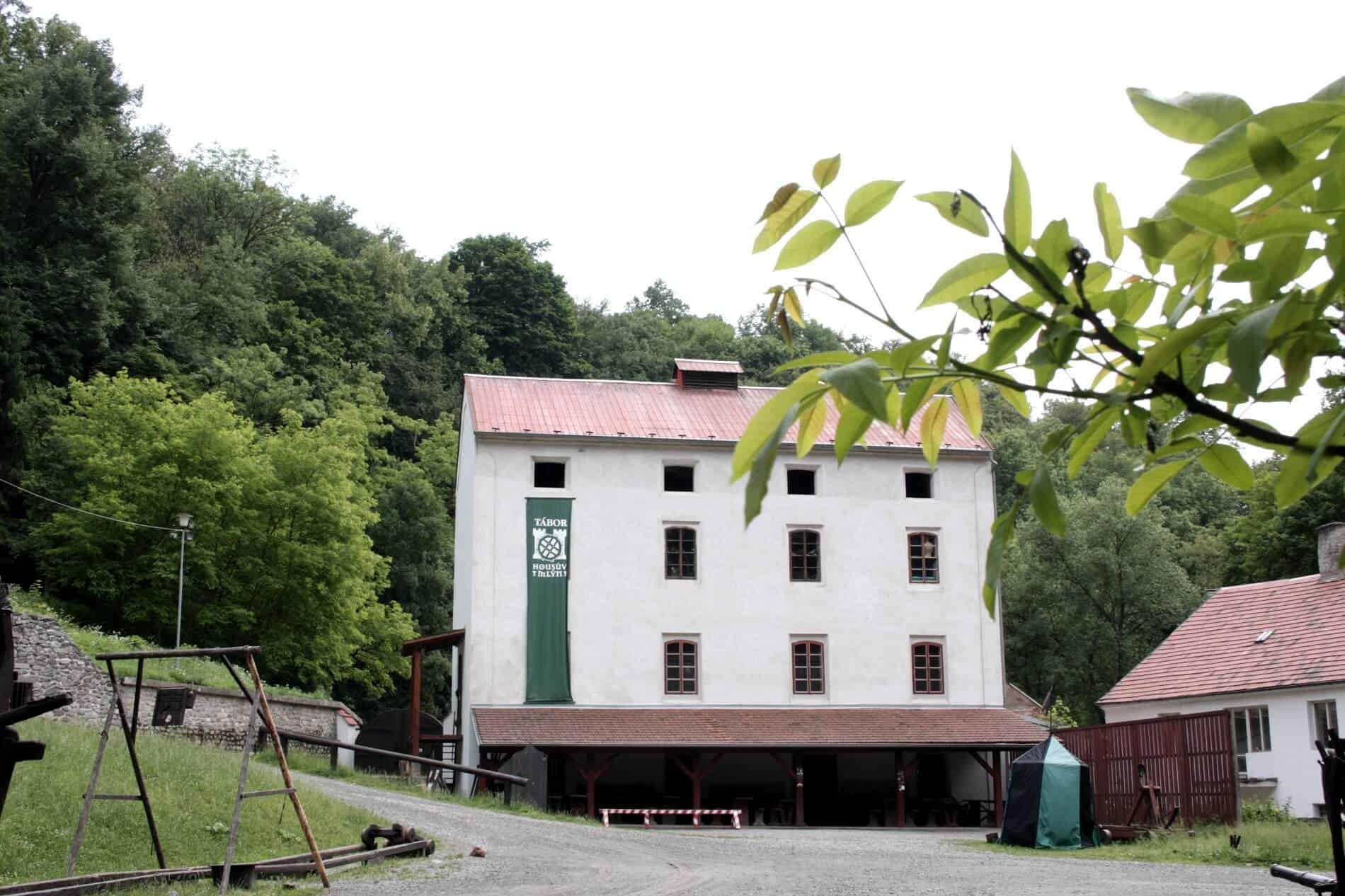 Housův mlýn