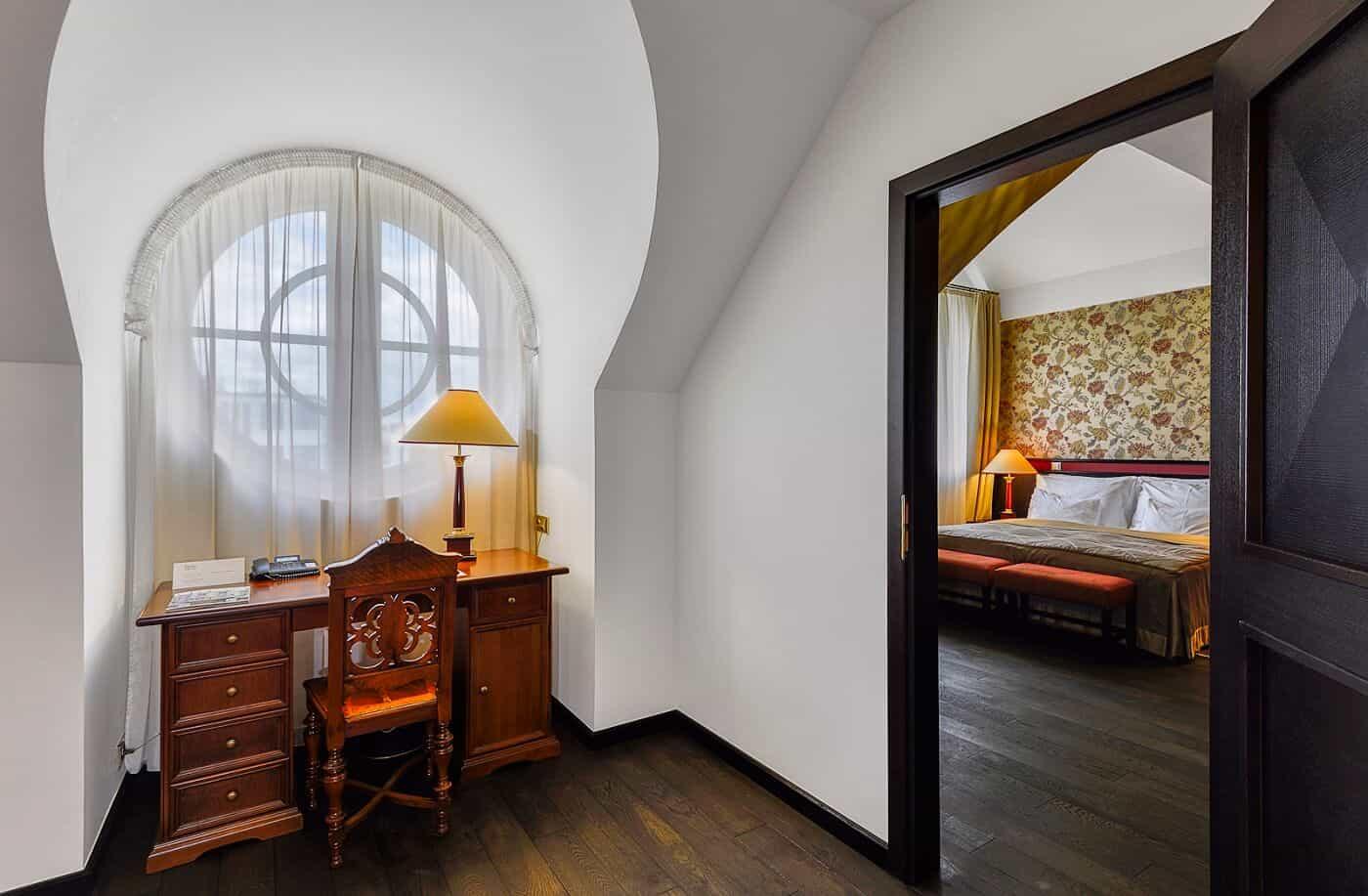 Hotel Savoy pokoj s pracovnou