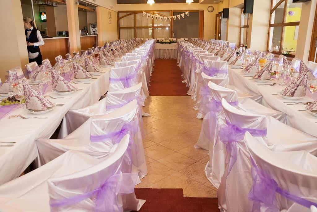 Svatební tabule fialová