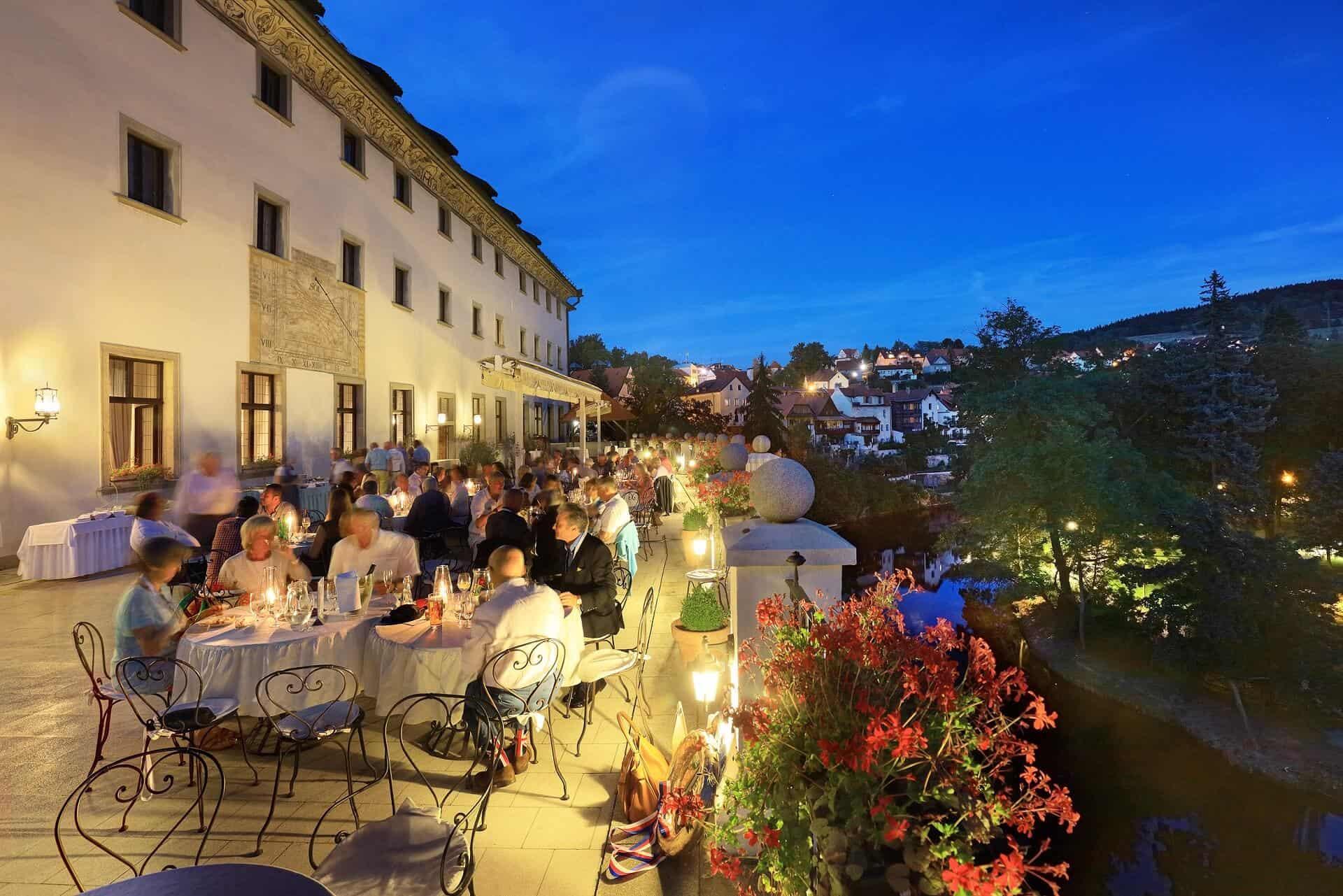 Hotel Růže - terasa večer
