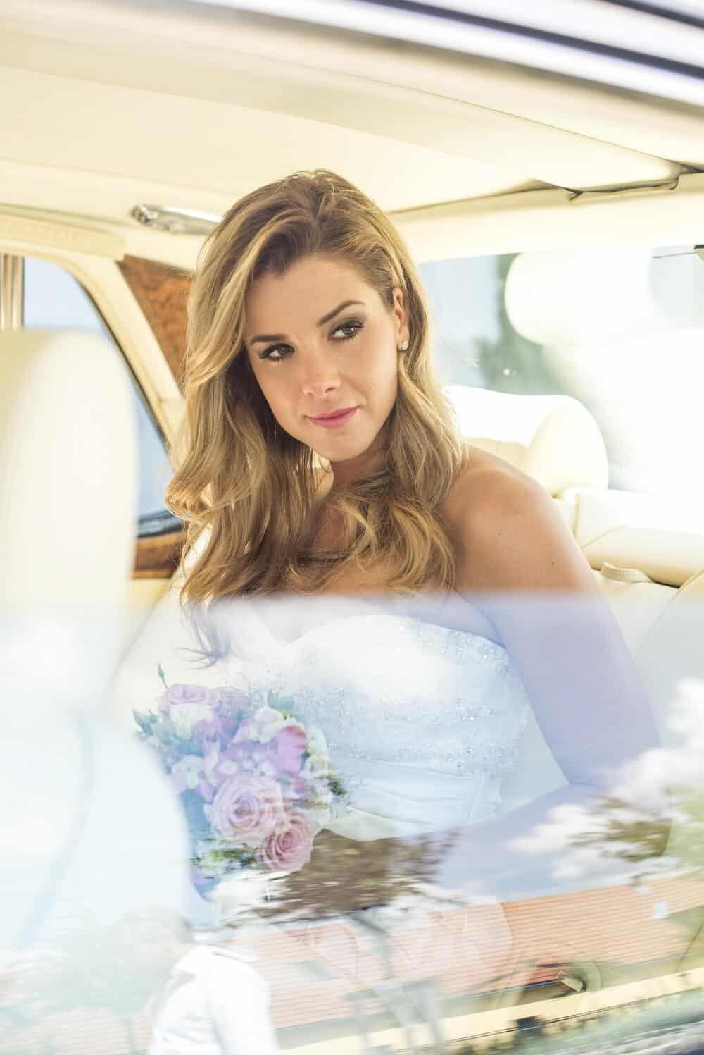 Zámecký Hotel Panství Dlouhá Lhota - nevěsta v autě