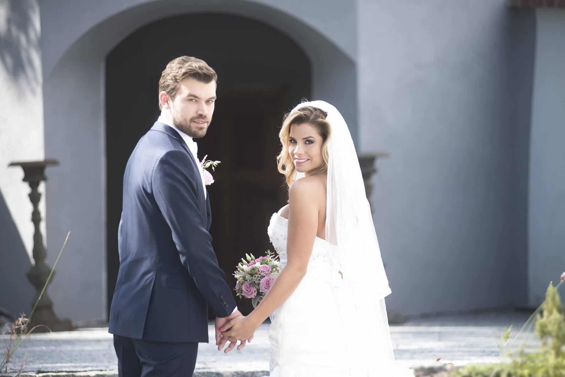 Zámecký Hotel Panství Dlouhá Lhota - nevěsta a ženich
