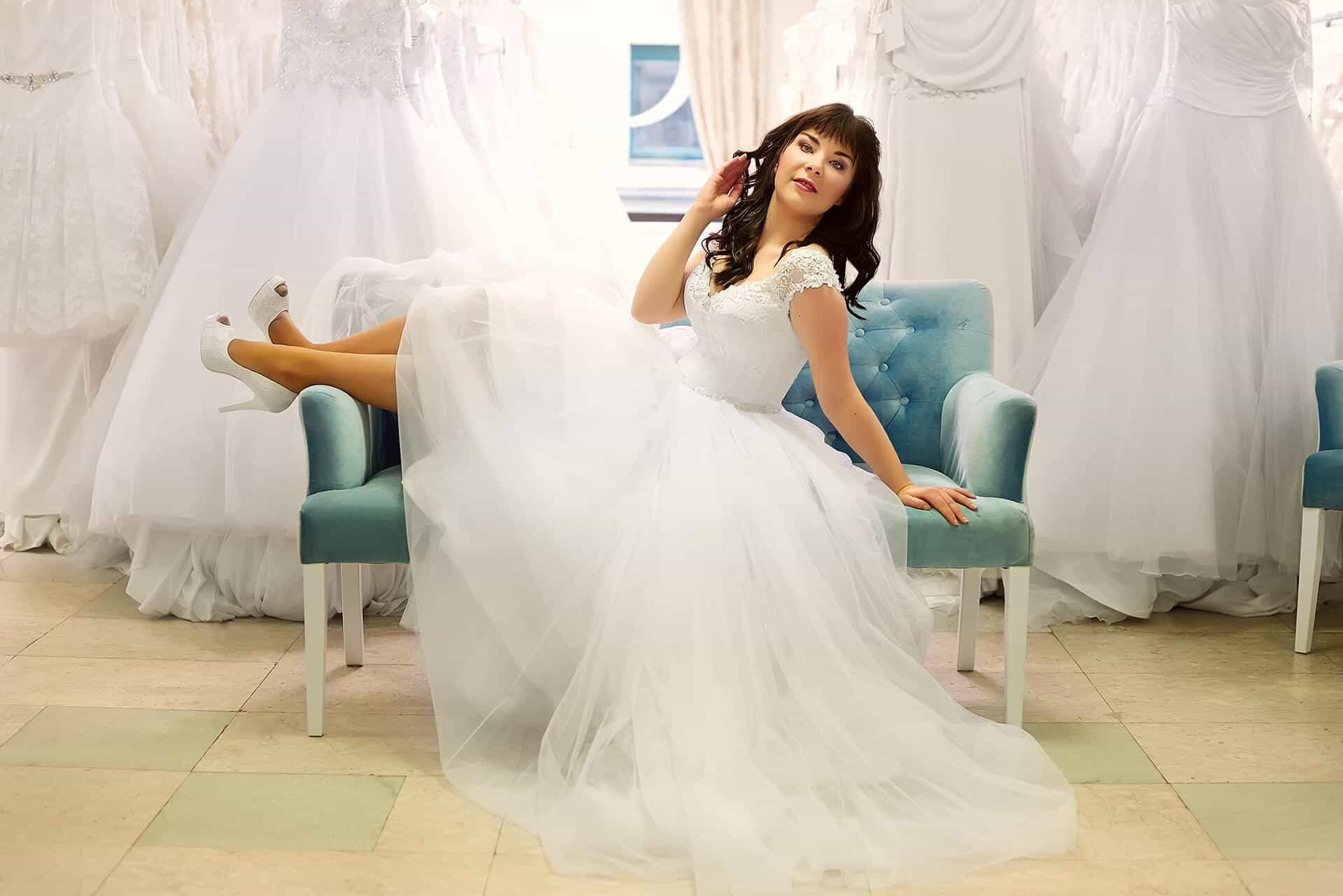 Annie Žak - nevěsta v šatech