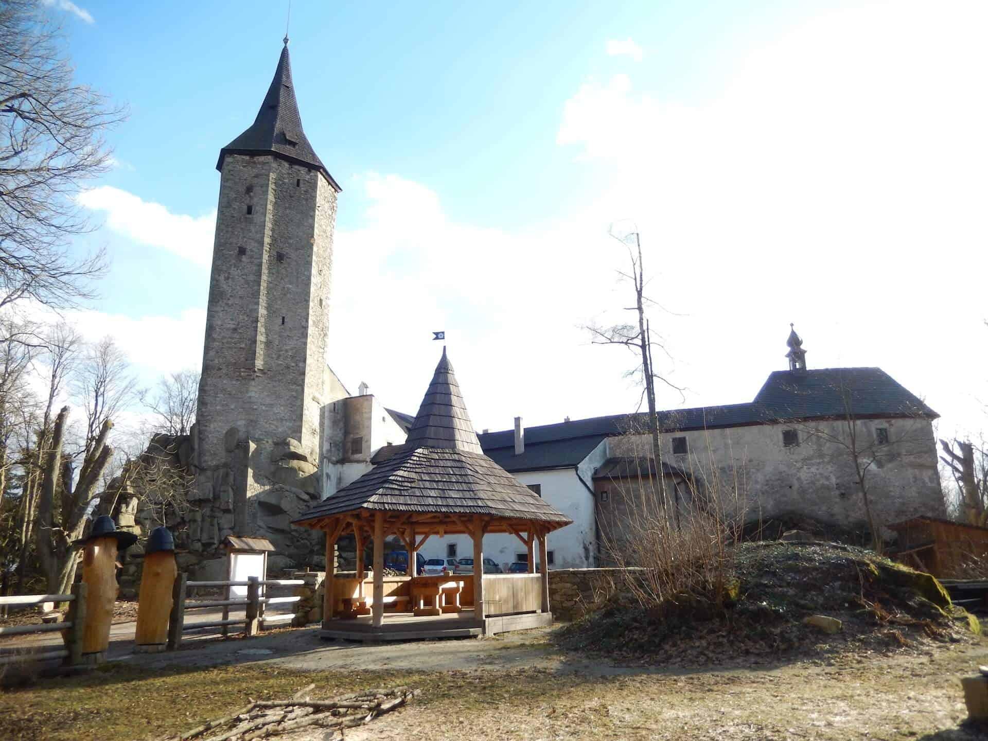 Romantický gotický hrad Roštejn