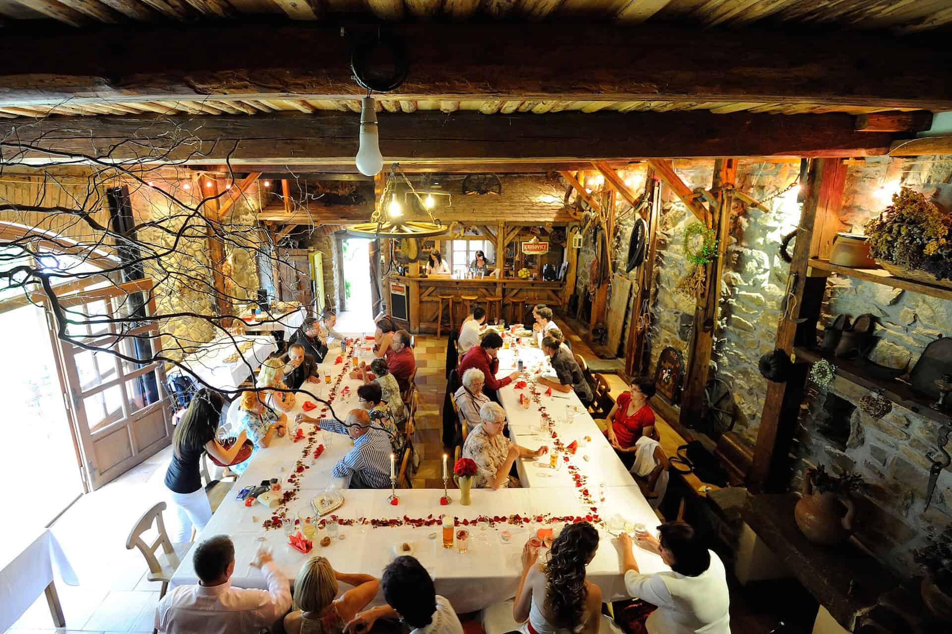 Statek Vletice - svatební hostina