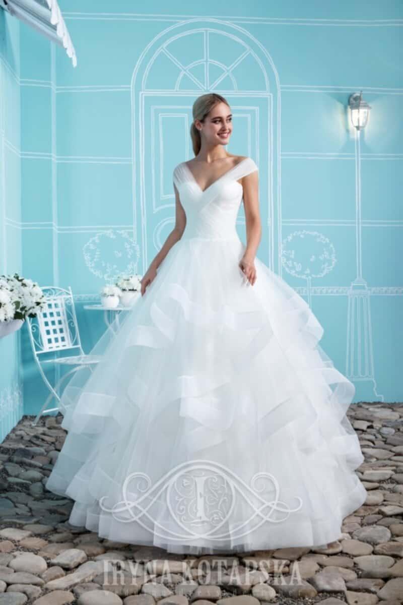 Svatební salon Madona šaty Iryna1