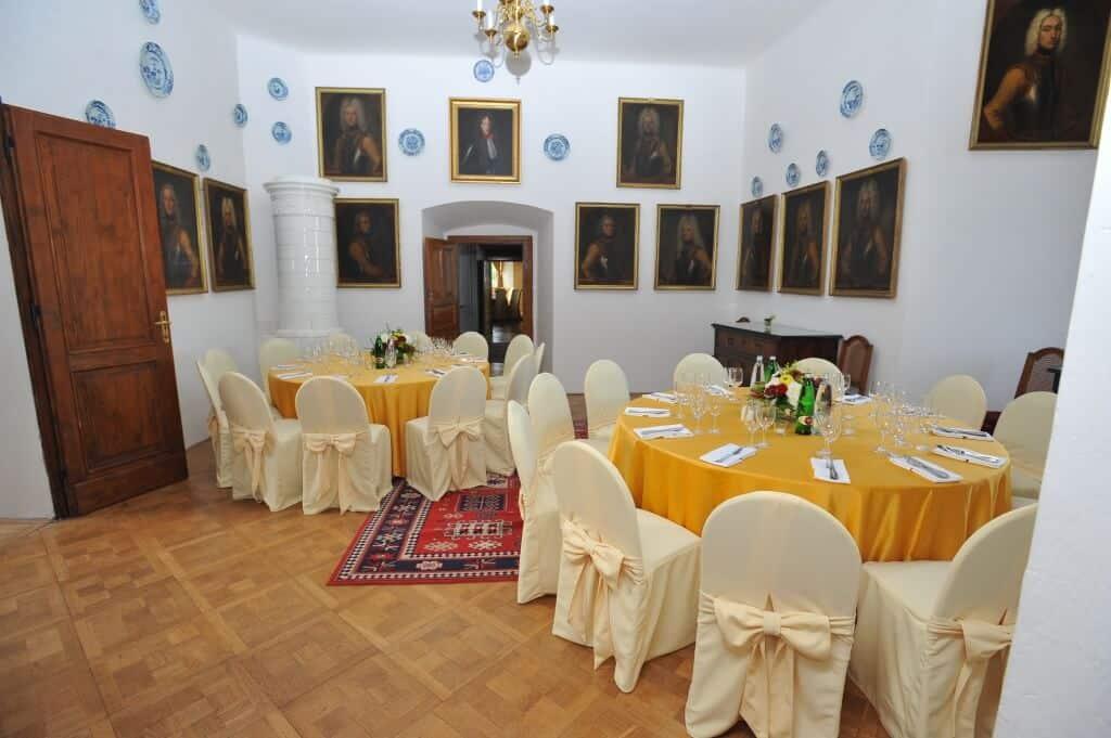 Zámek Nelahozeves svatební hostina žlutá