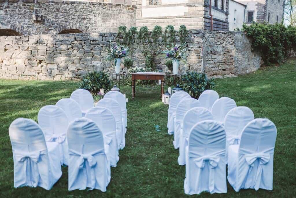 Zámek Nelahozeves svatební obřad v parku