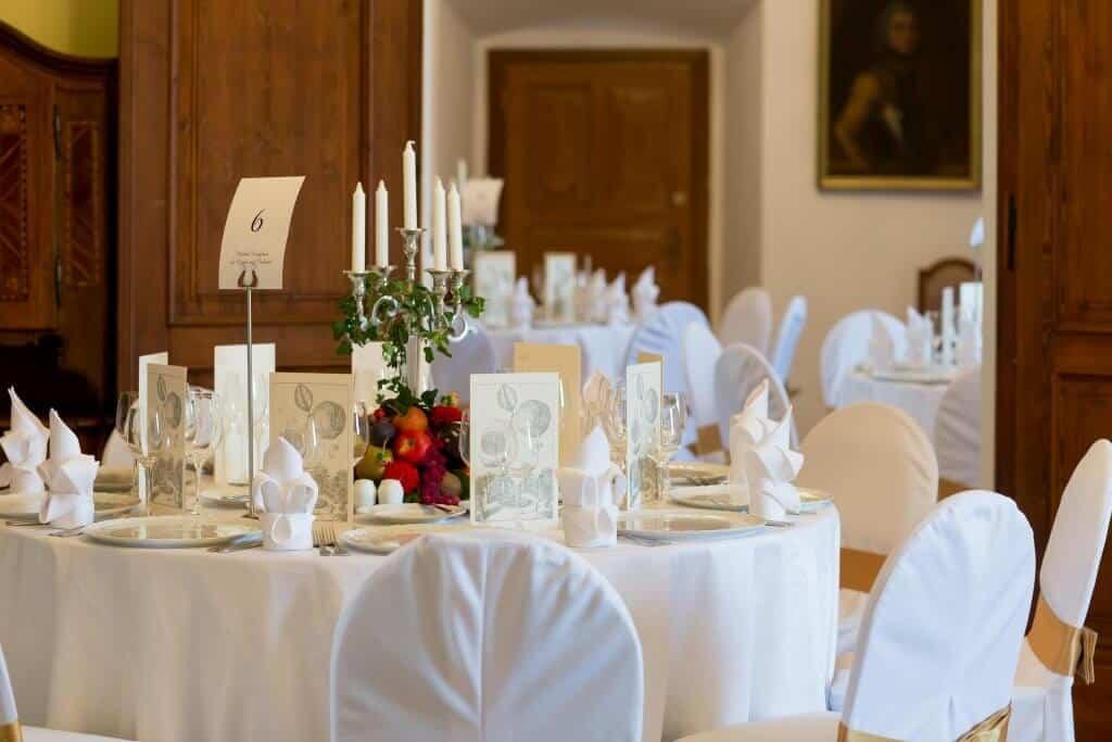 Zámek Nelahozeves svatební hostina bílá