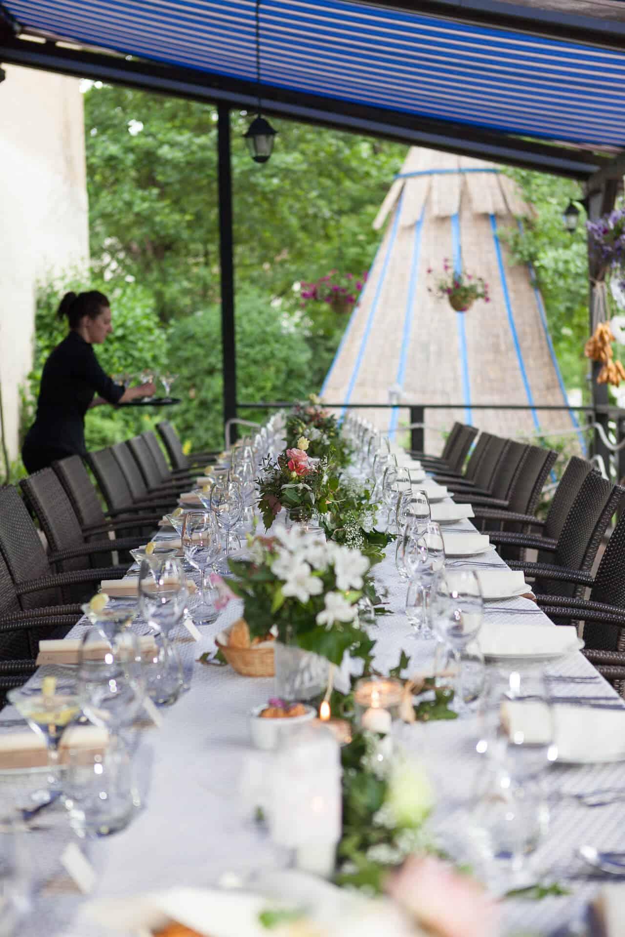 Hliněná bašta svatební tabule