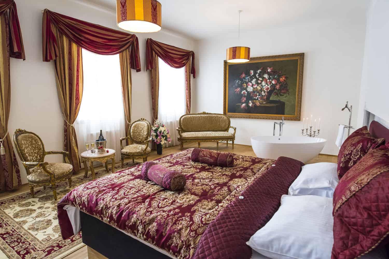 Zámecký Hotel Panství Dlouhá Lhota - svatební apartmá de Luxe