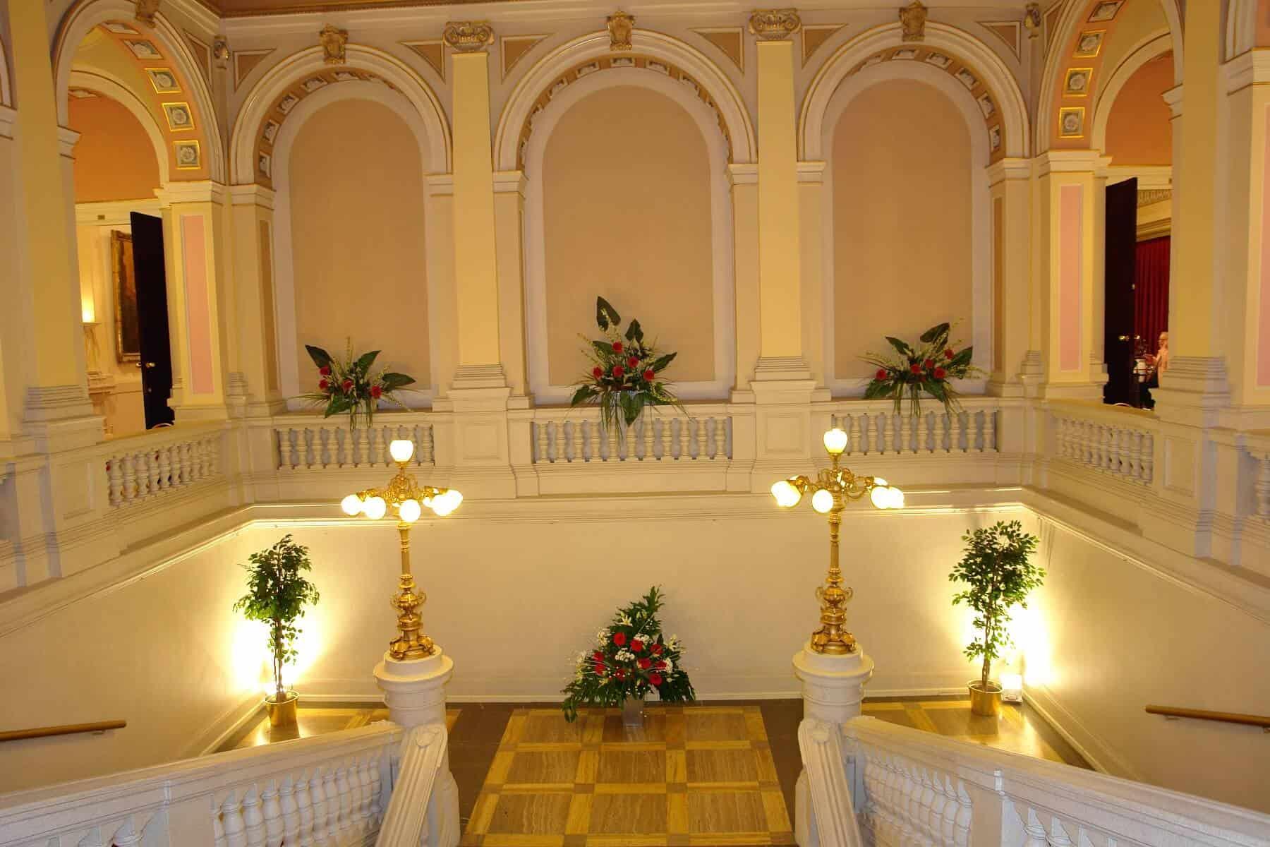 Národní dům Vinohrady - schodiště