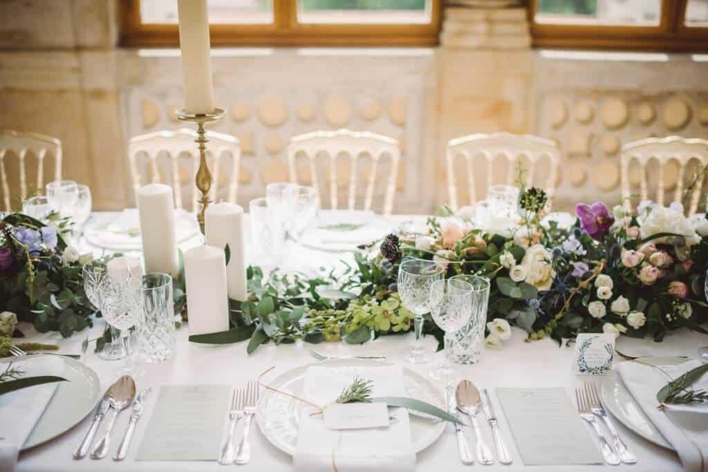 Zámkem Nelahozeves - svatební hostina detail