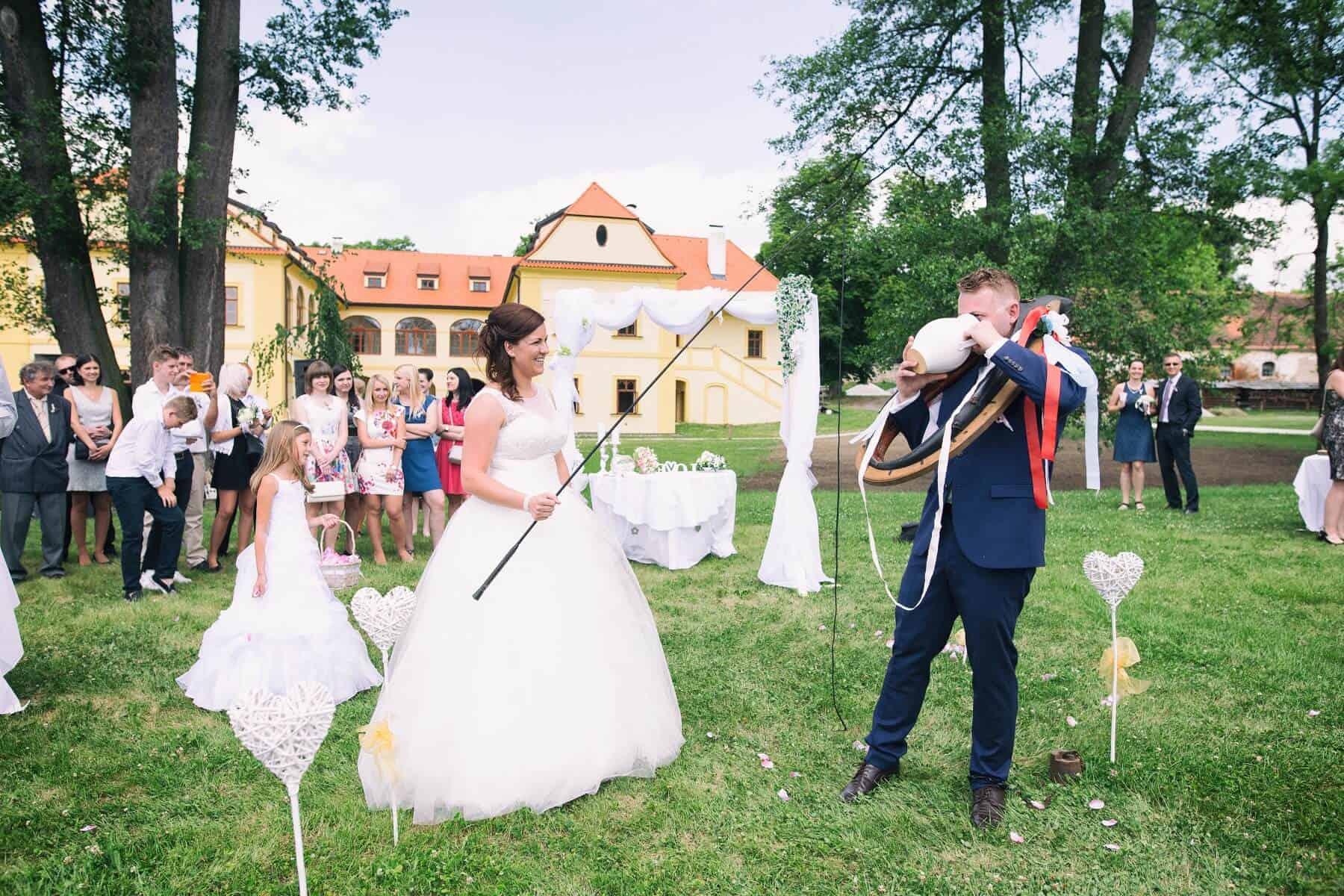 Zámek Obytce - svatební zvyky
