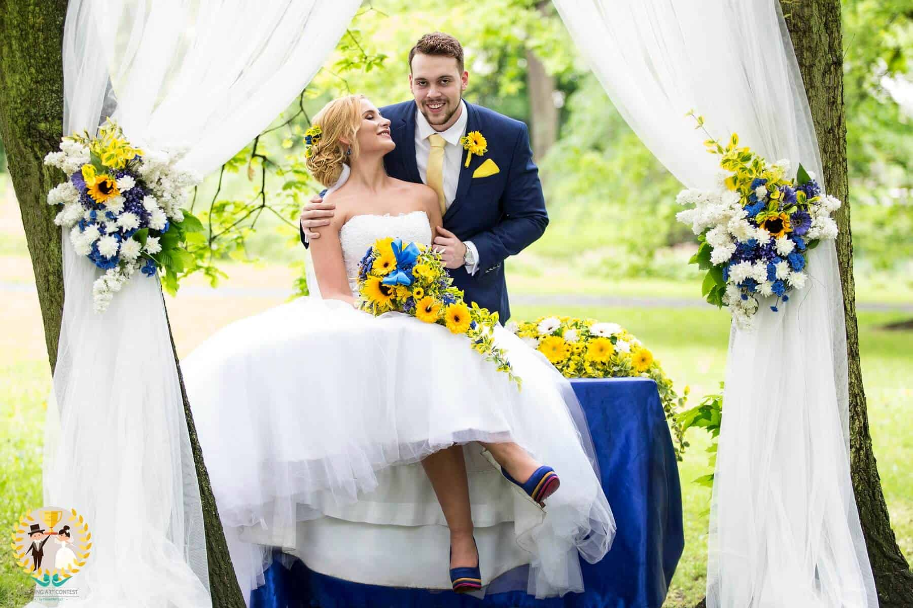 Svatební pár vítězného týmu - modro/žlutá svatba