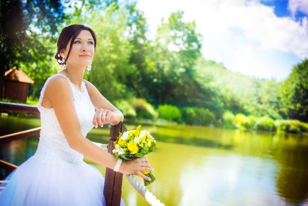 Zámek Obytce - nevěsta u rybníka