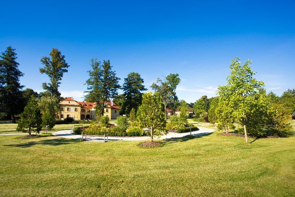 Zámek Obytce - zahrada