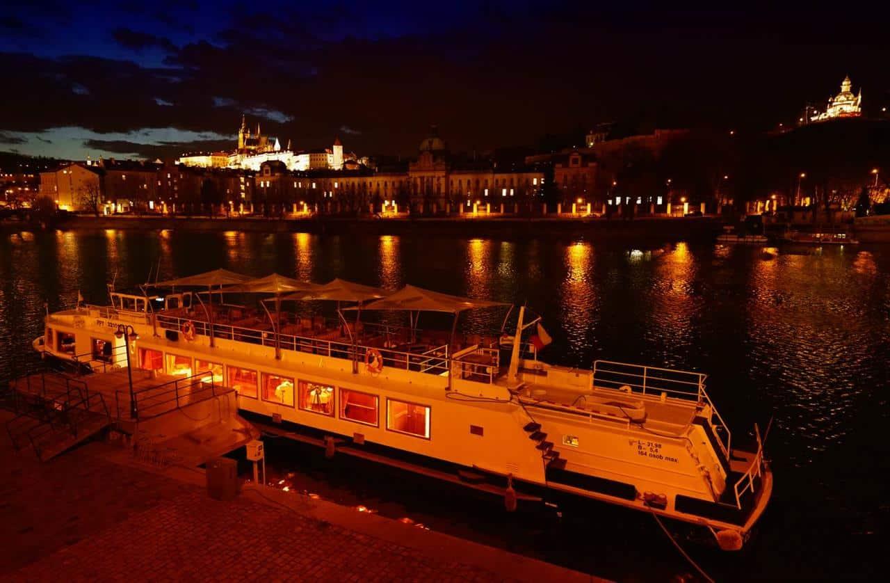 Prague Boats - večerní plavba
