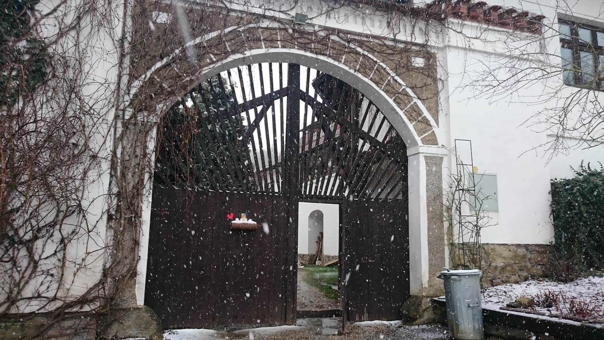 Zimní svtby na Statku Vletice - vstupní brána