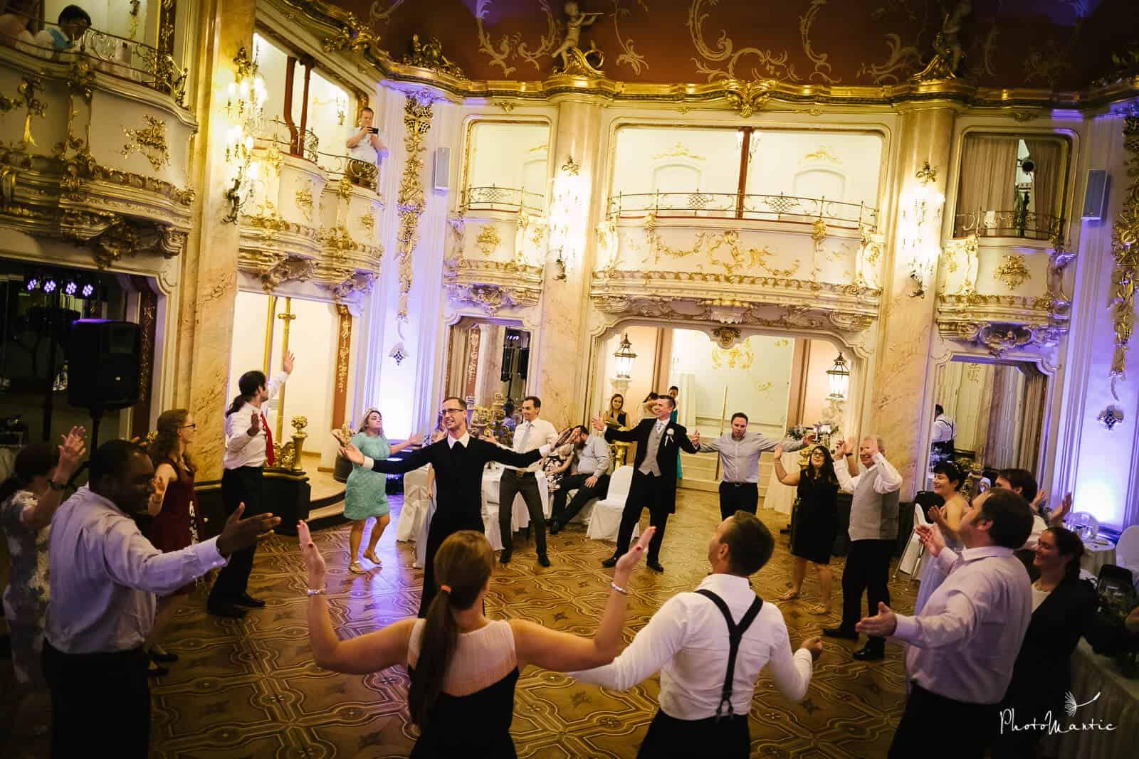 Naučte své svatební hosty tančit 297