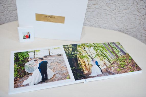 Svatební kniha, bílá barva