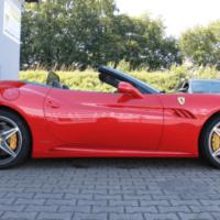 Autopůjčovna OneTwoGo - Ferrari California F1 4.3 V8 se staženou střechou