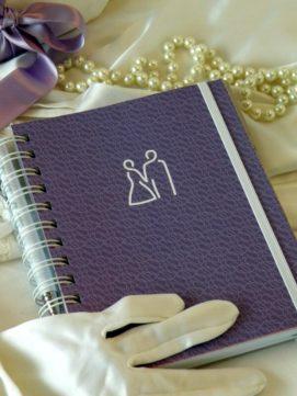 Svatební diář smart obálka fialová