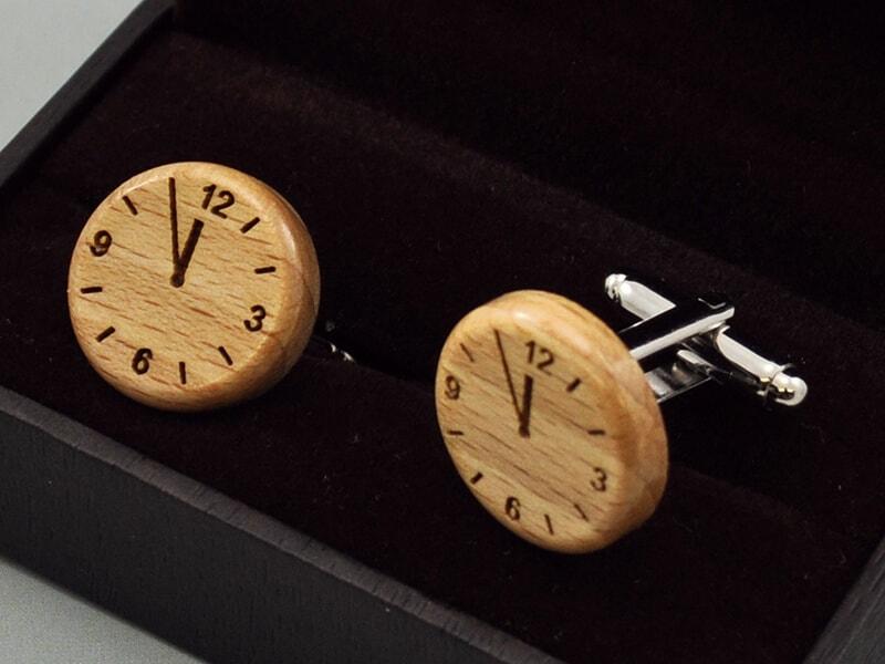 Dřevěné kulaté manžetové knoflíčky za 5 minut 12