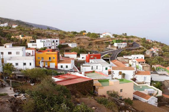 El Hierro - rybářský přístav La Restinga