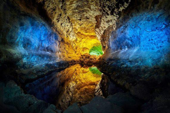 Lanzarote - lávový tunel Cueva de los Verdes