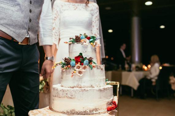 Polonahý svatební dort celkový pohled