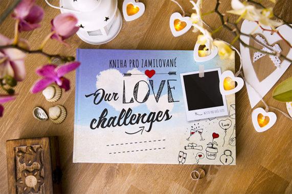 Kniha pro zamilované Our Love Challenges obálka