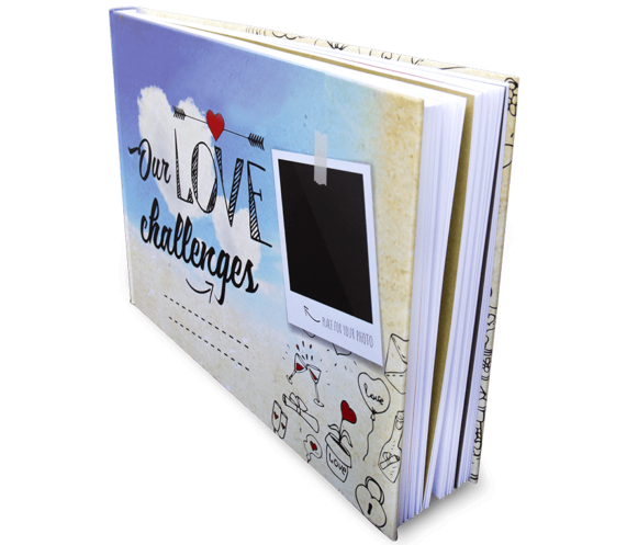 Kniha pro zamilované Our Love Challenges stojící