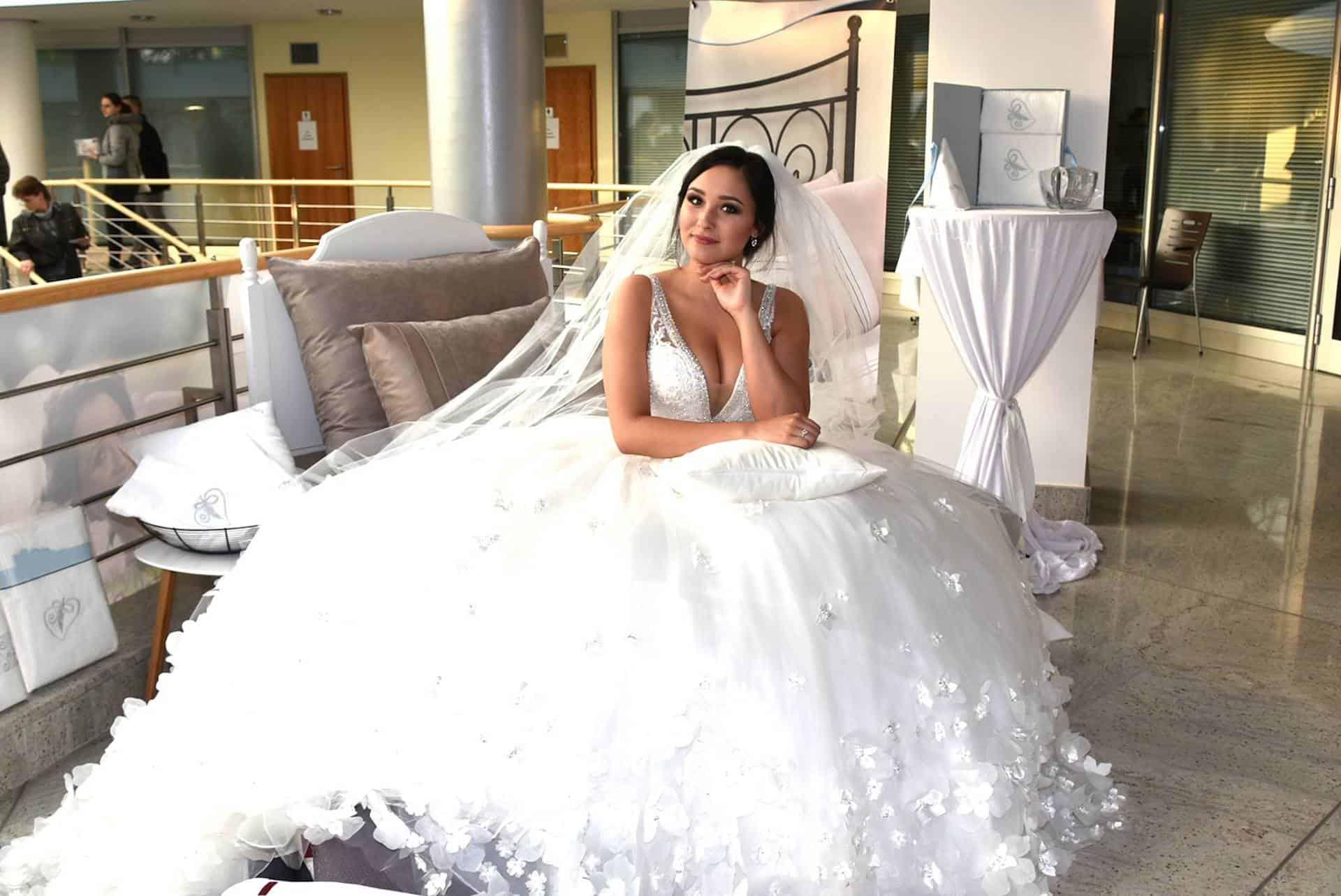 Nevěsta na svatebním veletrhu Pardubice