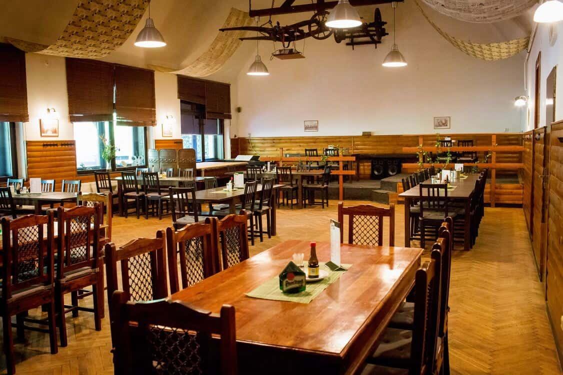 Restaurace Na Statku Jevany - taneční sál