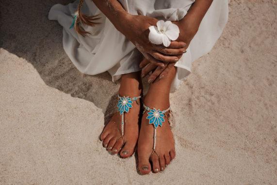 Boho nevěsta, krásná ozdoba nohou