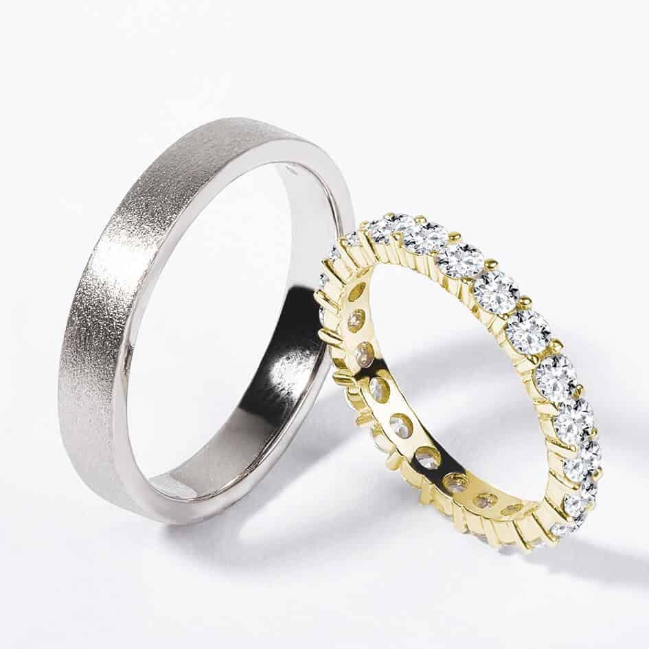 Snubní prsteny bílé a žluté zlato s diamanty matný zn. Klenota