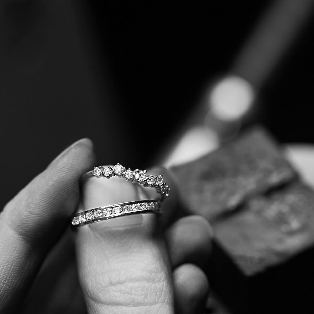 Snubní prsteny zlato s diamanty na dílně zn. Klenota