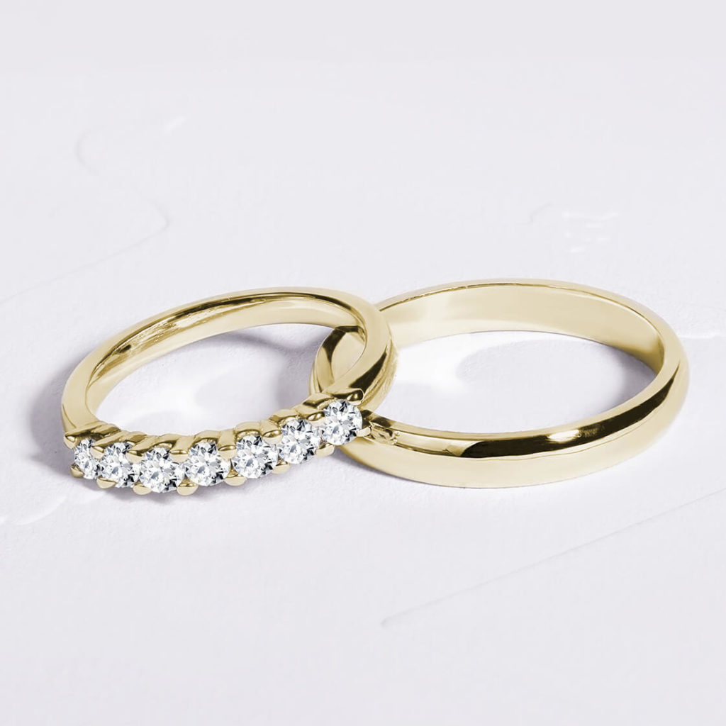 Snubní prsteny pár zlato žluté lesklé a lesklé s diamanty 2 zn. Klenota