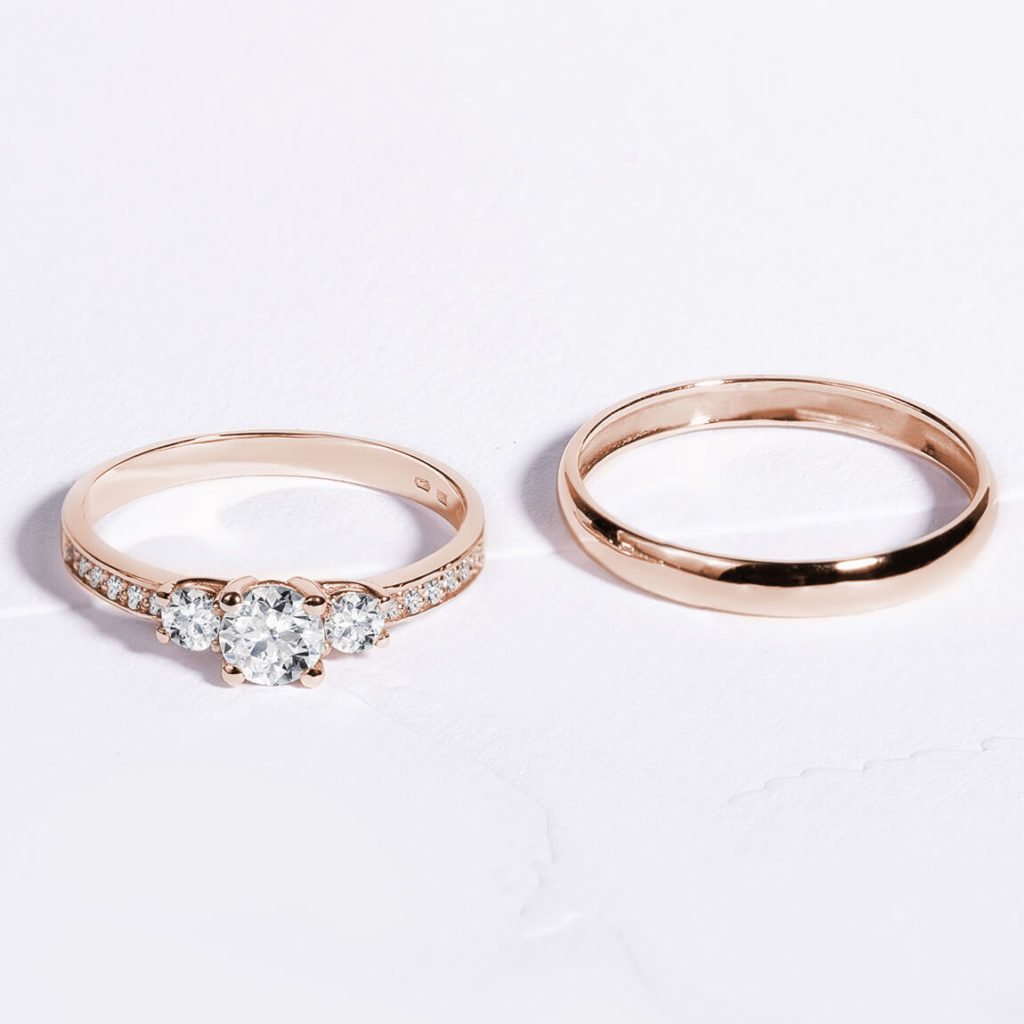 Snubní prsteny pár zlato růžové lesklé, s diamanty zn. Klenota