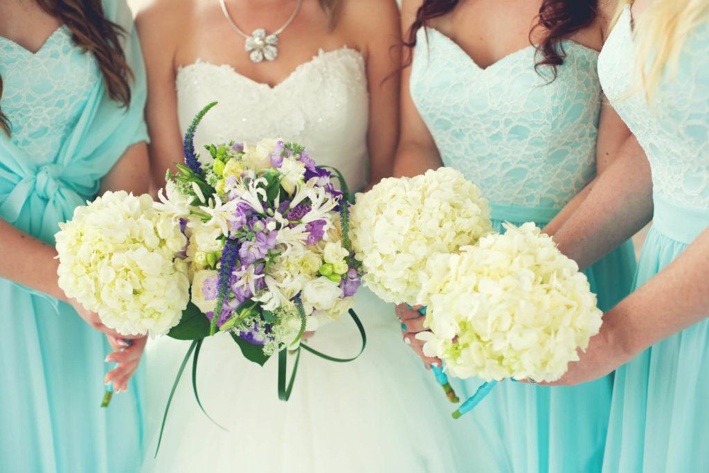 Nevěsta a družičky, svatební barva tyrkysová