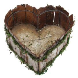 Dřevěný košíček ve tvaru srdce